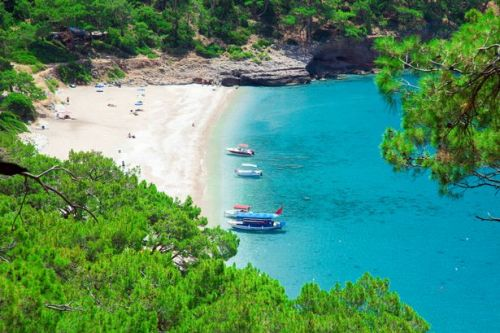 Loveholidays cancels all trips until June 12 due to Covid-19 travel restrictions