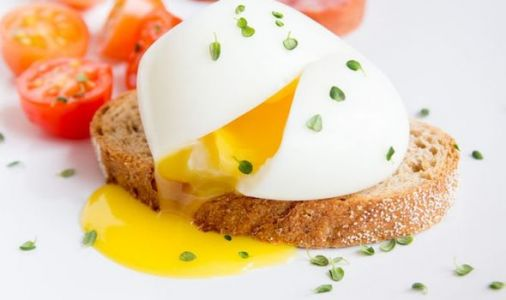 How long to poach an egg - perfect timings for runny yolk