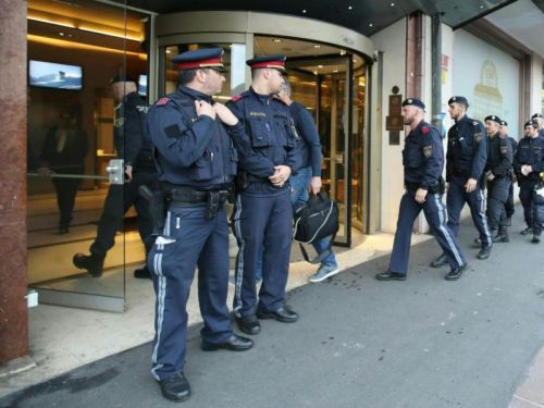 Is it safe to travel to Austria and Croatia? Latest travel advice as Grand Hotel Europa in Innsbruck placed under lockdown