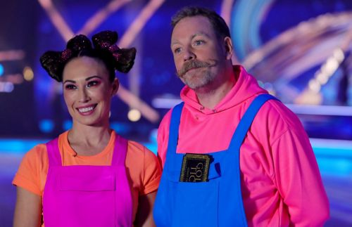 Dancing on Ice 2021: Ashley Banjo defends Rufus Hound for slating government amid Ofcom complaints