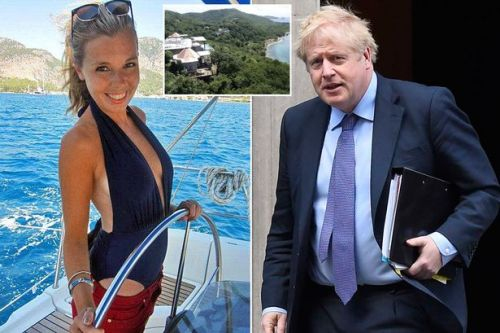 Boris Johnson reported to standards watchdog over mystery holiday donor