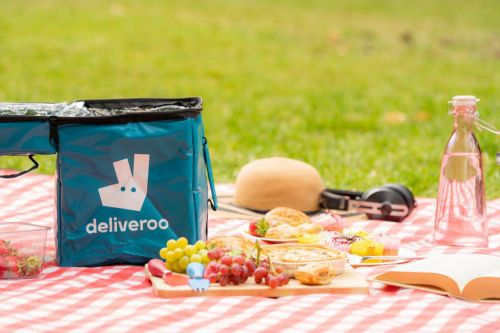 You can now buy Deliveroo rider bags to keep your food and drinks chilled for picnics