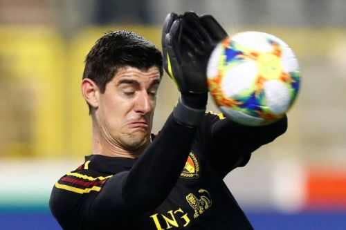 Chelsea fans all laugh at Thibaut Courtois as Real Madrid keeper makes howler