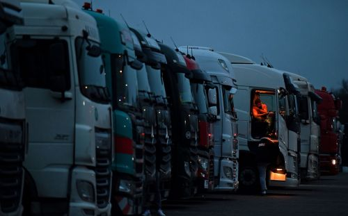 Government moves to end HGV driver shortage