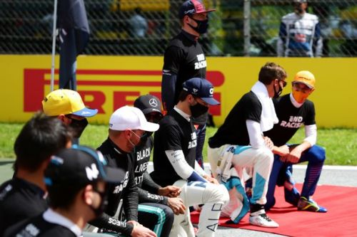 Lewis Hamilton praises Mercedes team for taking a knee before Styrian GP win