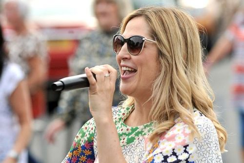 Alexandria singer Alana raising funds for charity with street party performances