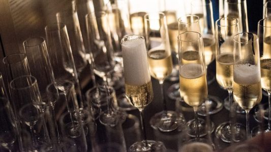 How to choose the best champagnes for the festive season