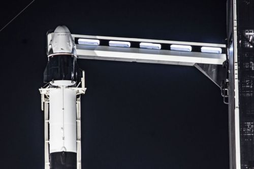 SpaceX will shut down its rocket mid-flight to test Dragon's escape system