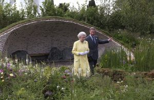 Throwback to: the Queen hiding in a bush to avoid a controversial Buckingham Palace guest