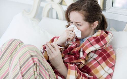 Is it a cold or Covid? How to tell the difference between symptoms