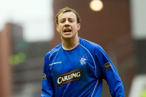 Alan Hutton pays tribute to Rangers and Scotland 'father figure' Walter Smith as he retires from football