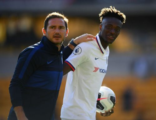 """""""I see similarities in Mason Mount"""" - Tammy Abraham compares teammate to Chelsea heroes"""