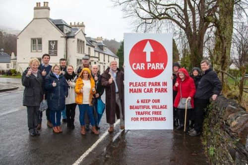 Villagers in Luss make own road signs in bid to ban tourist traffic from streets
