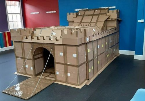 Dad builds incredible quarantine fort for son out of sandwich boxes