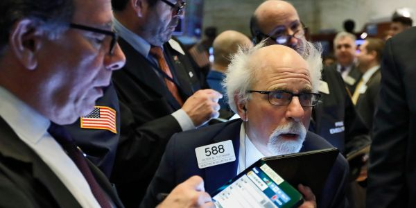S&P 500 falls for the first time this week as US stocks edge lower