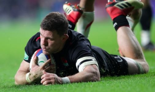 England rugby disharmony THEORY: Does pundit spot team orders to mask unity problems?