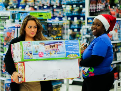 Black Friday workers share their 12 best tips for shoppers