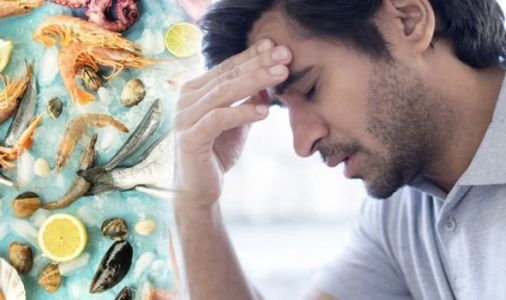 Vitamin B12 deficiency: The three peculiar warning symptoms felt on the face