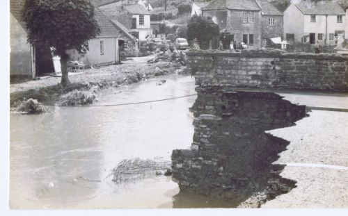 Great Flood Commemorations in the Chew Valley (Remembering the Past, Preparing for the Future)