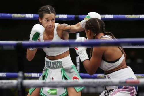Terri Harper draws with British rival Natasha Jonas to retain world title
