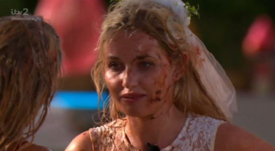 Love Island viewers not impressed with Amy Hart's tears after Lucie Donlan food fight as tensions escalate