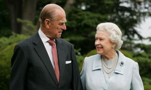 How tall is Prince Philip and the Queen?