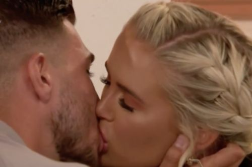 Love Island's Molly-Mae grabs Tommy Fury's manhood and leaves viewers jealous: 'It's f**king huge'