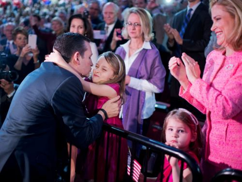Parents at the elite private school of Ted Cruz's children are furious about the family's Cancun trip, report says