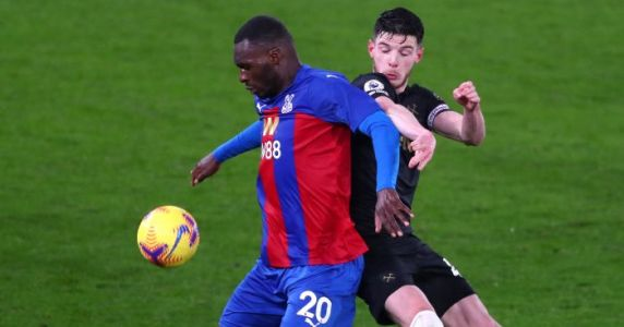 West Ham gatecrash top four as Soucek double earns win at Palace
