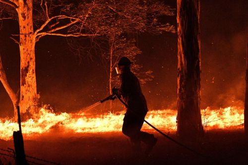 Is it safe to visit Australia and where are the bushfires?