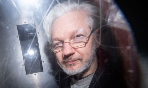 Julian Assange 'phoned the White House to warn of risk to lives' over Wikileaks release