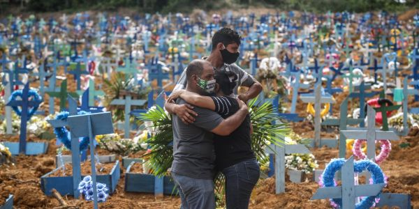 Brazil records 4,000 daily COVID-19 deaths for the first time