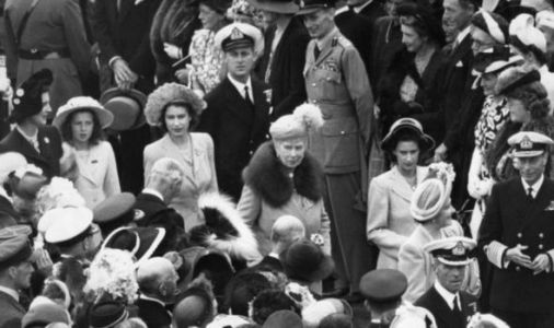 Queen heartbreak: Royal Family post archive picture as Monarch misses favourite tradition