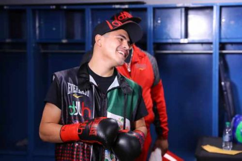 What boxing is on TV this week? How to watch De La Hoya v Robles on Facebook