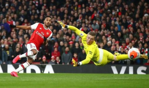 Arsenal star Pierre-Emerick Aubameyang hailed as Gary Neville makes Thierry Henry comment