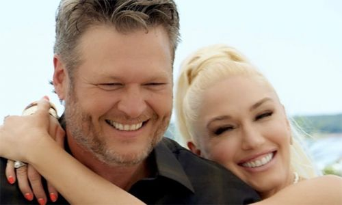 Gwen Stefani's fiancé Blake Shelton is completely unrecognisable with long hair