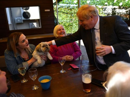 Boris Johnson Breaks His Own Government's Rules at Pub Photo Opp