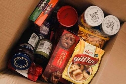Mum's brilliant Christmas box idea 'saves a fortune' on festive food