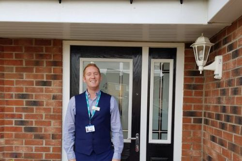 Hospital worker raffles his 4-bed house for £2 a ticket to raise money for NHS