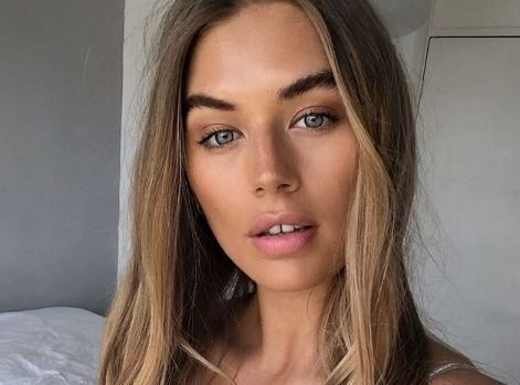 Love Island newcomer Arabella Chi is pally with Jason Momoa and we're totally jealous