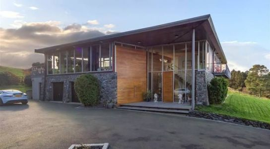 Video tour of contemporary Holywood home offering bespoke style and luxury