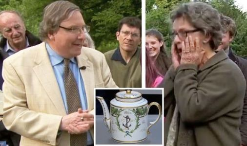 Antiques Roadshow expert makes guest cry with eye-watering teapot value 'You're joking!'