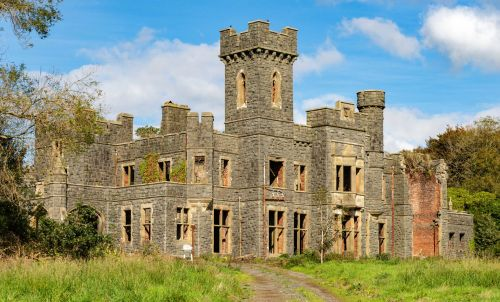 Can you save this castle from being lost forever?