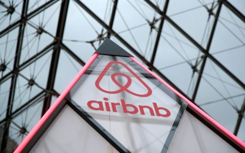 Airbnb raises $1bn new investment to see it through its coronavirus crisis