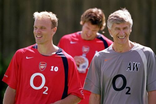 """Bergkamp admits """"doubts"""" over Arsene Wenger ahead of first Arsenal meeting"""