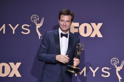 Jason Bateman mistakenly announced as Emmys winner instead of This Is Us actor Ron Cephas Jones