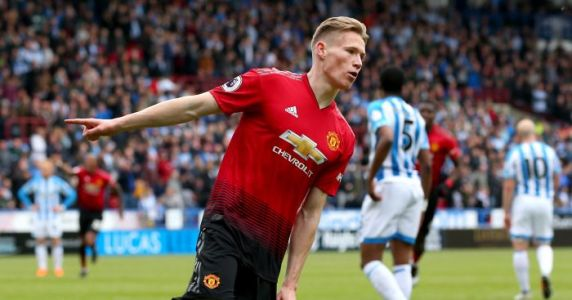 Crystal Palace ready to swoop as Man Utd attempt to keep star