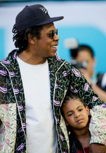 Super Bowl LIV - Jay-Z and daughter Blue Ivy have sweet photoshoot as celebs arrive for game in Miami
