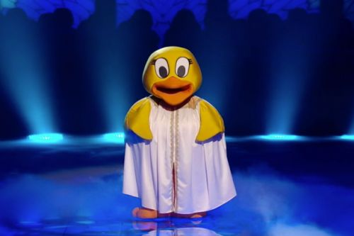 Does this sneak peek at the Masked Singer's Duck hold new clues to her identity?