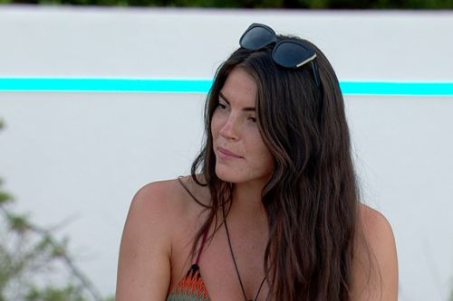 "Love Island's Rebecca ""fed up"" of being in a love triangle with Luke T and Siannise"